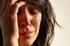 mulher chorando sobre a campanha antiaborto do facebook