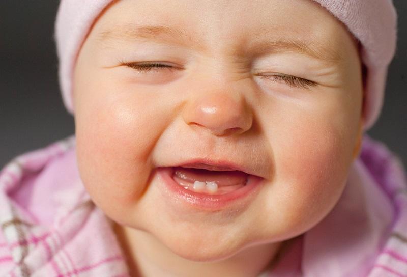 Dicas para Evitar Dor no Nascimento dos Dentes de Leite