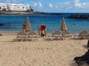 pititico na playa el jabillo lanzarote o pequeno viajante as melhores viagens do eric