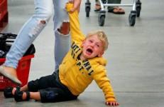 Querida Mãe da Criança Que Está Fazendo Escândalo no Shopping mamae tagarela traducao stuff moms says
