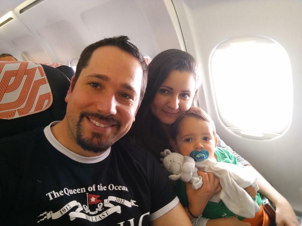 um bebe de 2 meses pode viajar de aviao
