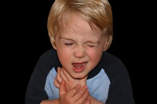 Engasgos em Crianças: O que É Perigoso e Como Socorrer