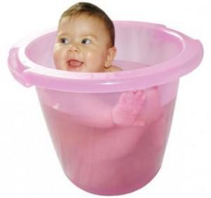 banho de ofuro 10 Dicas de Como Acabar com as Colicas do Bebe