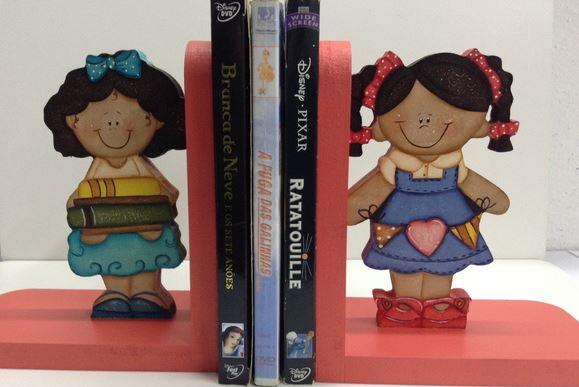 aparador de livros pequenas leitoras porta livros