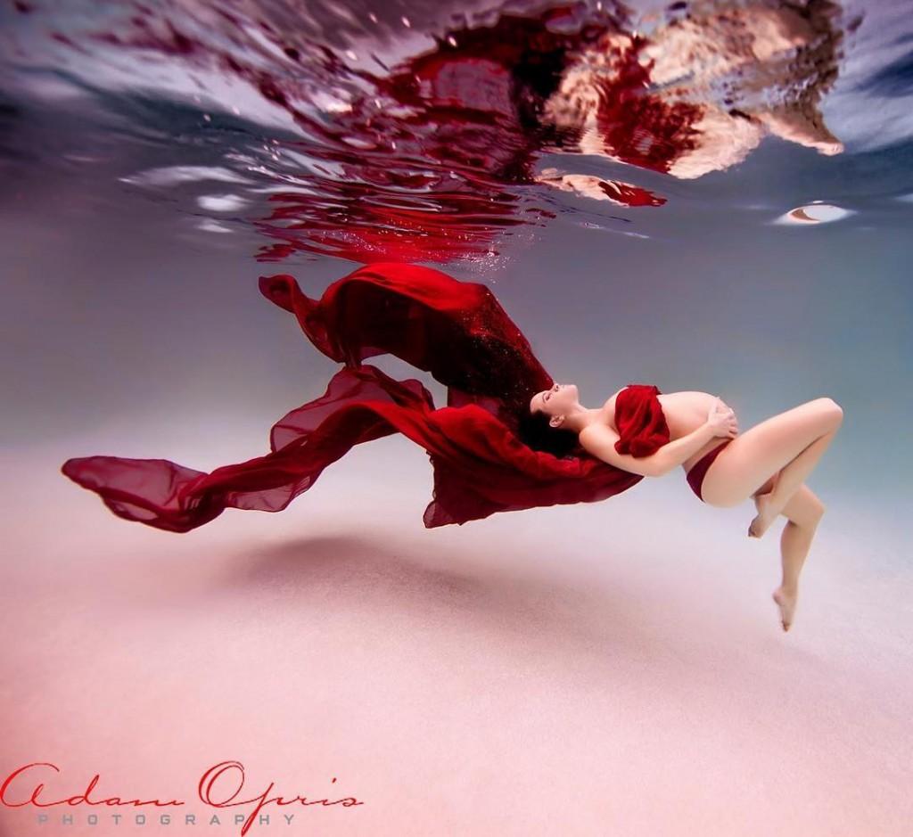 Ensaio Gestante Subaquático 31 - Adam Opris Photography