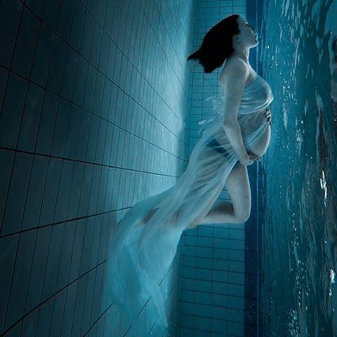 Ensaio Gestante Subaquático 29 - Alison Bounce Photography