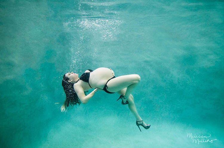 Ensaio Gestante Subaquático 42 - Melissa Mullins