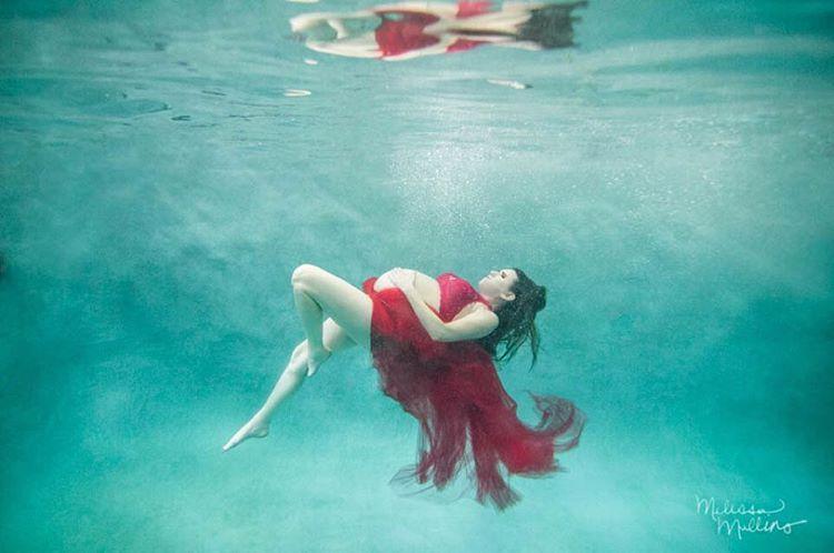 Ensaio Gestante Subaquático 30 - Melissa Mullins