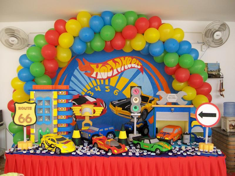 Tema-de-Festa-Infantil-Criativa-Carrinhos-hot-wheels