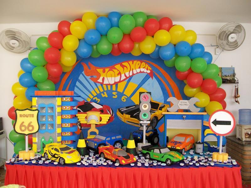 Tema-de-Festa-Infantil-Criativa-Carrinhos-hot-wheels