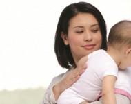 O Bebê Amamentado no Peito Precisa Arrotar?