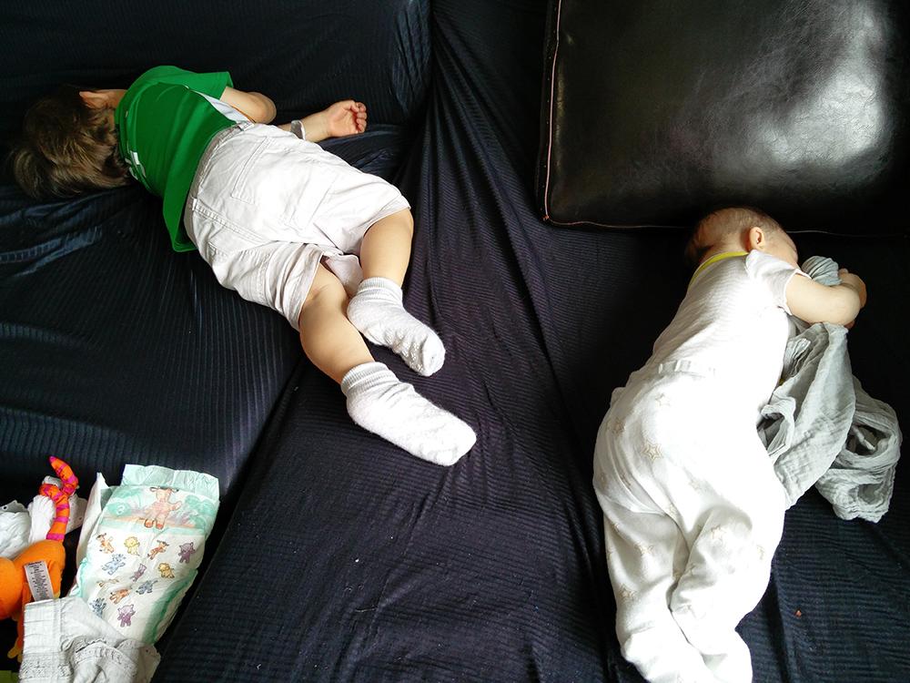 os dois dormindo ao mesmo tempo